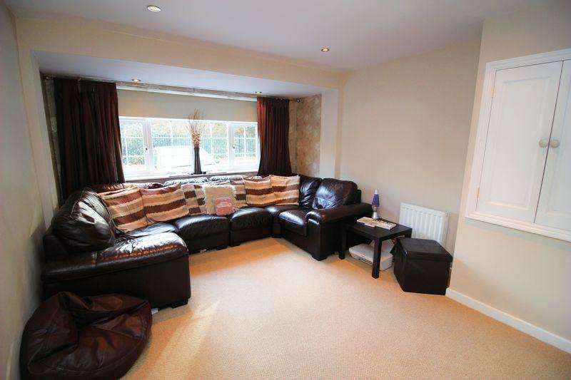 4 Bedrooms Town House for sale in Lakeside, Snodland