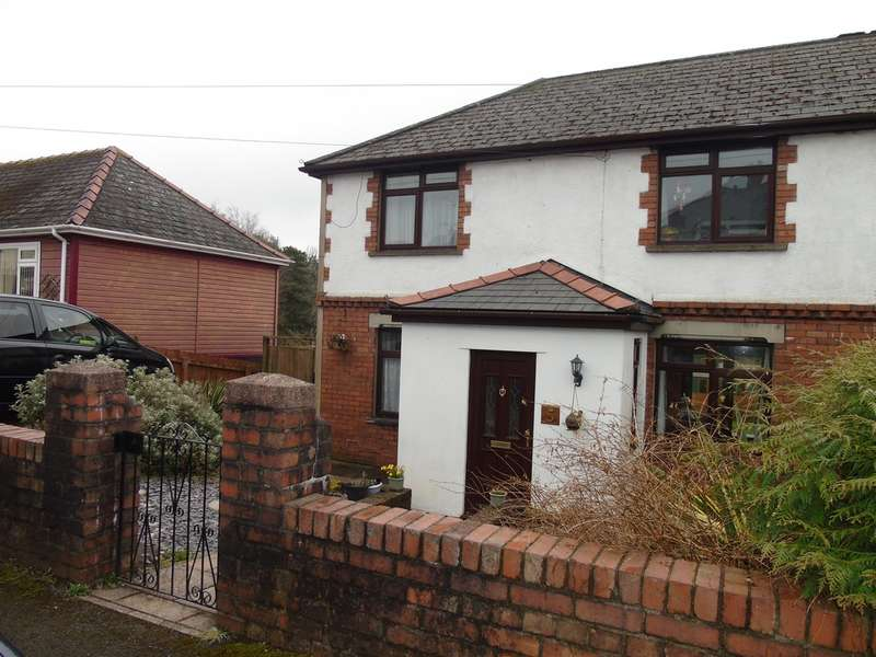 3 Bedrooms Semi Detached House for sale in Haden Street, Pontypool