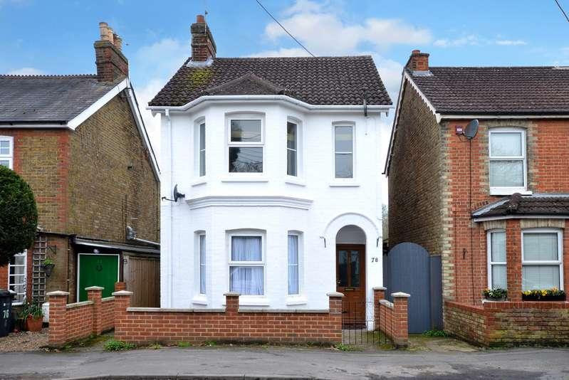 3 Bedrooms Detached House for rent in Farnham, Surrey GU10