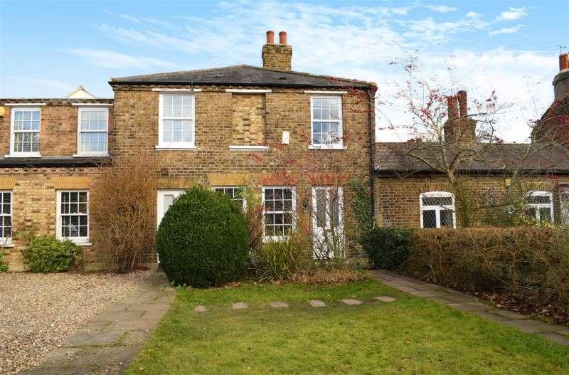 2 Bedrooms Property for sale in Uxbridge Road, Hampton Hill
