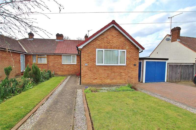 4 Bedrooms Semi Detached Bungalow for sale in Larchwood Road, Woking, Surrey, GU21