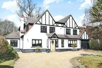 4 Bedrooms Detached House for sale in Ninhams Wood, Keston Park