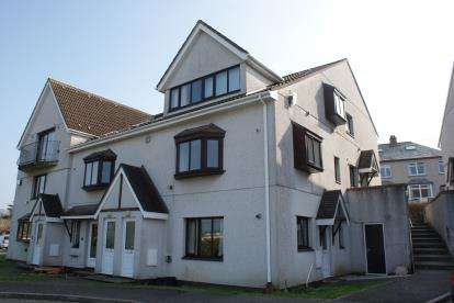 1 Bedroom Flat for sale in Wadebridge, Cornwall, Uk