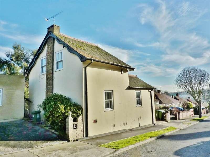 2 Bedrooms Detached House for sale in Holmhurst Road, Upper Belvedere, Kent, DA17 6HN