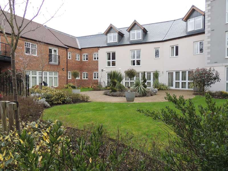 2 Bedrooms Flat for sale in High Street, Knowle, Solihull, B93 0LL