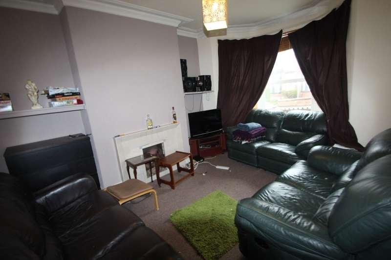 5 Bedrooms Terraced House for rent in Delph Mount, Woodhouse, Leeds