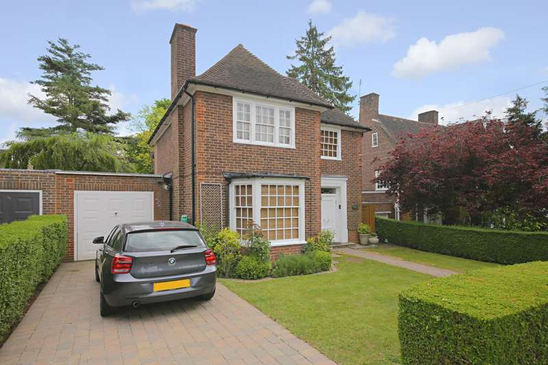 3 Bedrooms Detached House for sale in Gurney Drive, Hampstead Garden Suburb
