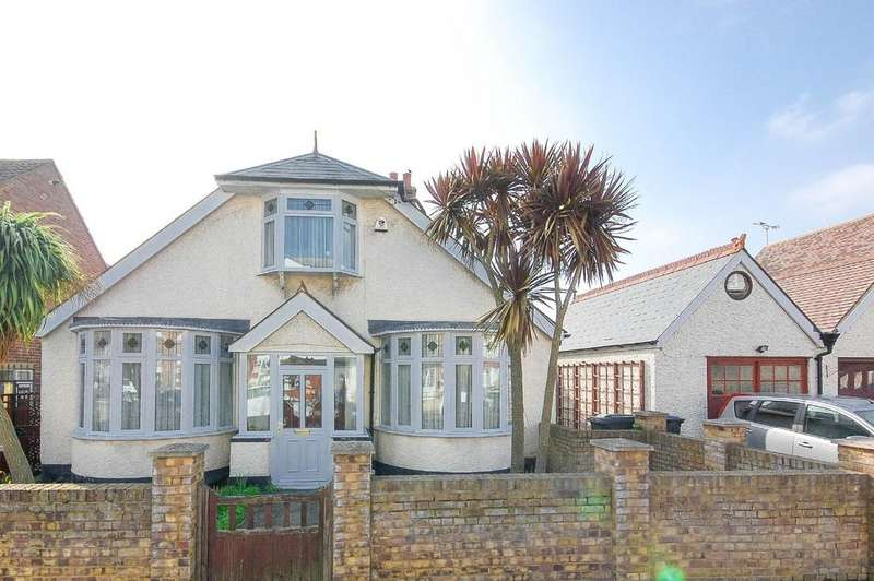 3 Bedrooms Detached Bungalow for sale in Albany Drive, Herne Bay