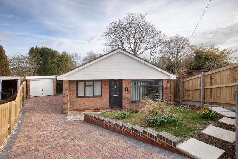 2 Bedrooms Bungalow for sale in Juniper Road, Firsdown, Salisbury