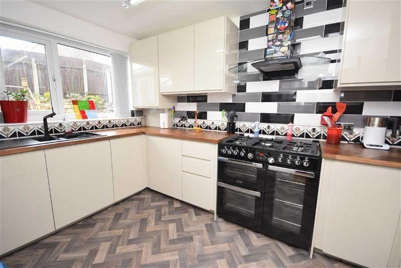 2 Bedrooms Bungalow for sale in Bradshaw Street, Nelson, Lancashire