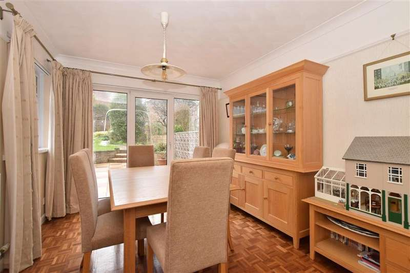 3 Bedrooms Semi Detached House for sale in The Dale, Widley, Waterlooville, Hampshire
