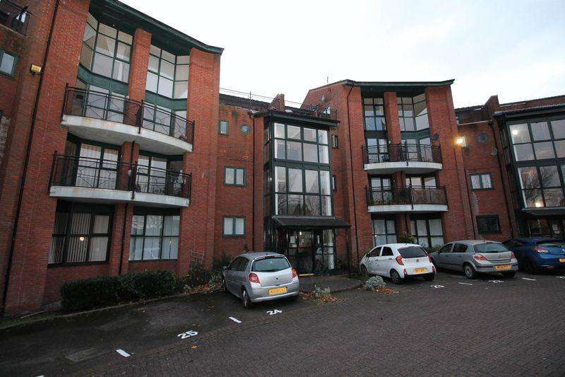 2 Bedrooms Apartment Flat for sale in Priory Wharf, Birkenhead