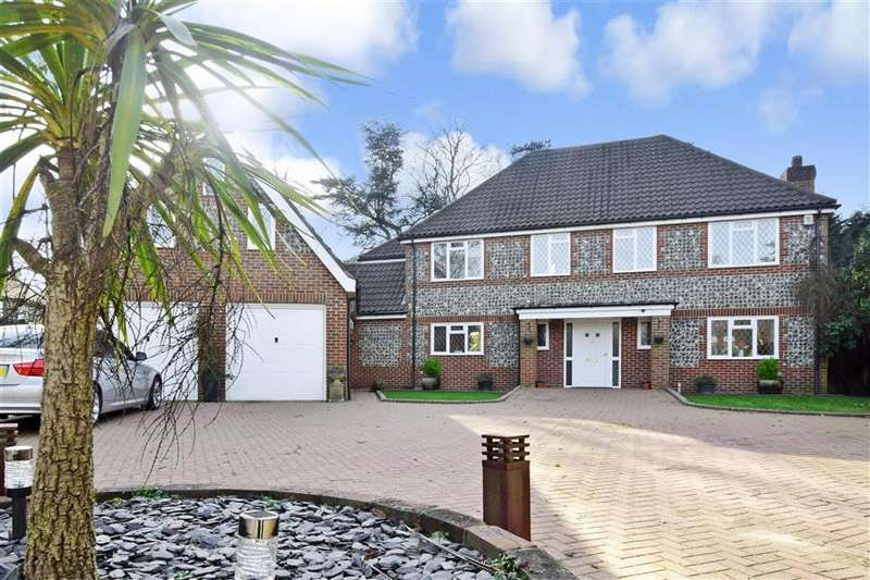 5 Bedrooms Detached House for sale in Pepper Close, Caterham, Surrey