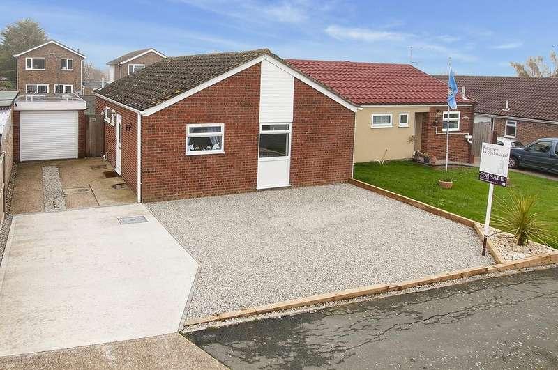 2 Bedrooms Semi Detached Bungalow for sale in Hawe Farm Way, Herne Bay, Kent