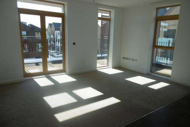 2 Bedrooms Apartment Flat for rent in 7 Parkes Court, Lawley, Telford, TF3 5HR