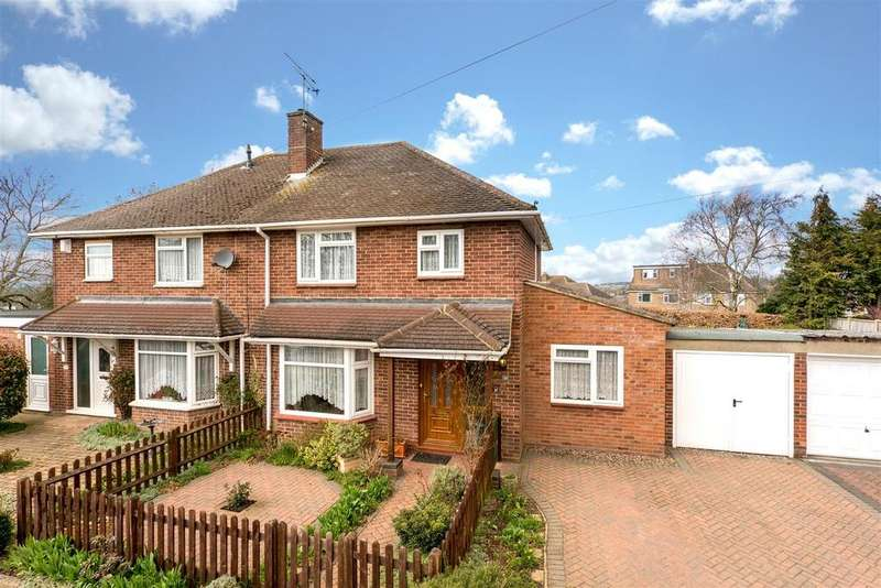 3 Bedrooms Semi Detached House for sale in Seymour Crescent, Hemel Hempstead