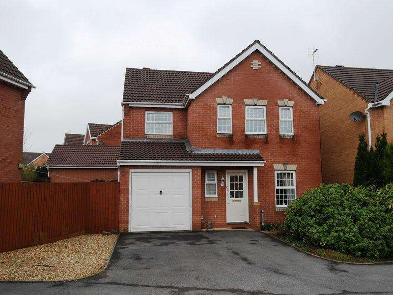 4 Bedrooms Detached House for sale in Walnut Close, Miskin, CF72 8RZ