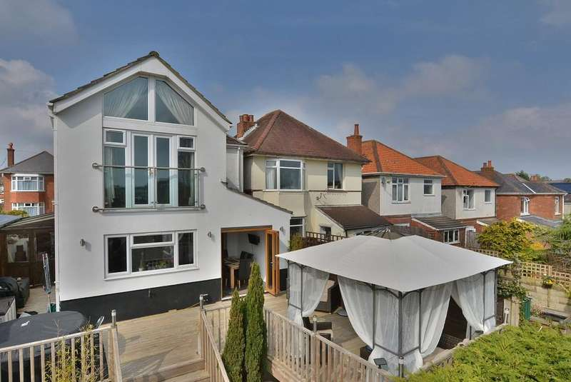 4 Bedrooms Detached House for sale in Pine Road, Bournemouth