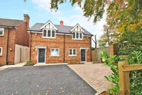 2 Bedrooms Semi Detached House for sale in Maxwell Road, Beaconsfield, Buckinghamshire