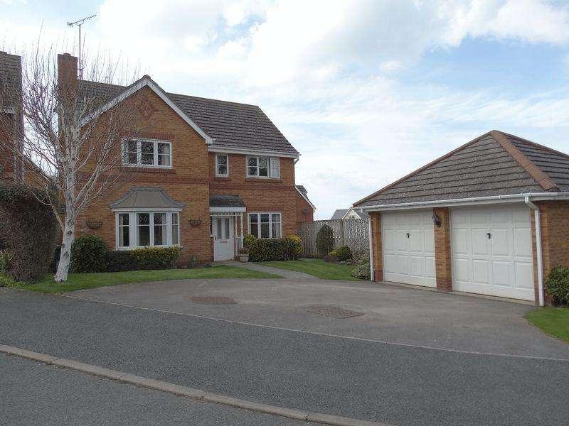 4 Bedrooms Detached House for sale in Tanllwyfan, Colwyn Bay