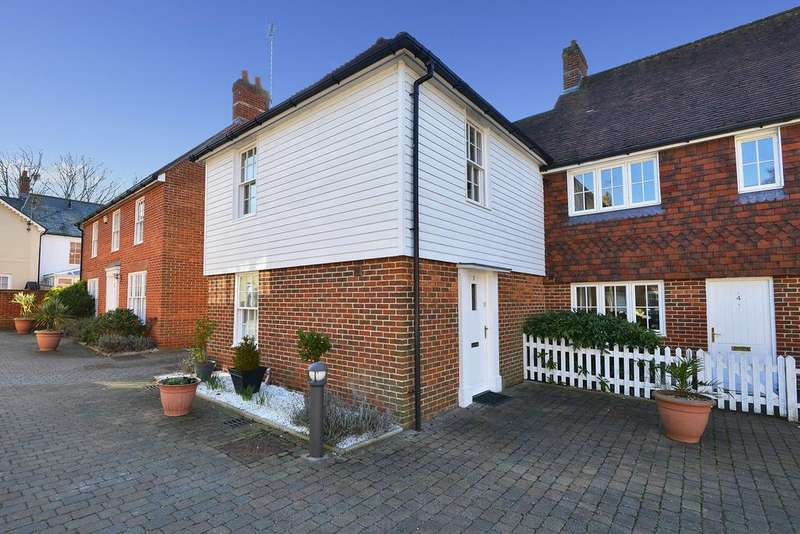 3 Bedrooms Semi Detached House for sale in Ruskins View, Herne, Herne Bay, Kent