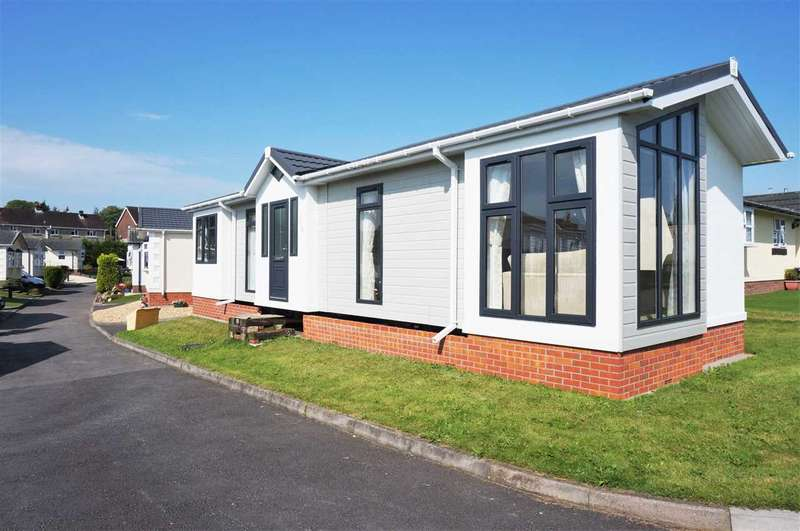 2 Bedrooms Park Home Mobile Home for sale in Poplar Close, CROSS HANDS, Llanelli