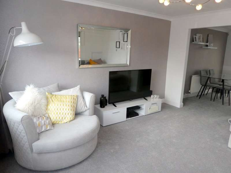 3 Bedrooms Terraced House for sale in Lagoon Drive, Sutton-on-Hull, Hull, HU7