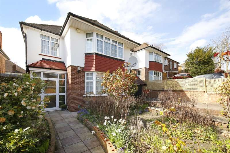 3 Bedrooms Detached House for sale in Spurgeon Road, London