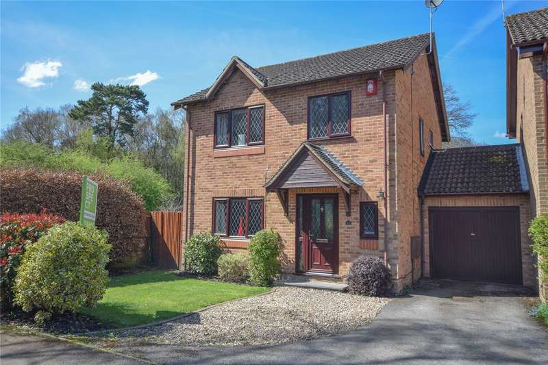 4 Bedrooms Detached House for sale in Heather Close, Finchampstead, Berkshire, RG40