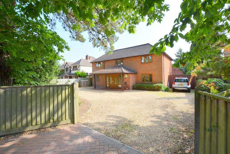 4 Bedrooms Detached House for sale in New Road, West Parley, BH22 8EN