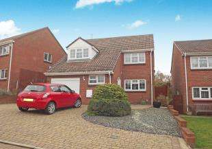4 Bedrooms Detached House for sale in Gaze Hill Avenue, Sittingbourne