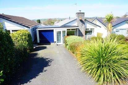 3 Bedrooms Bungalow for sale in Tywardreath, Par, Cornwall