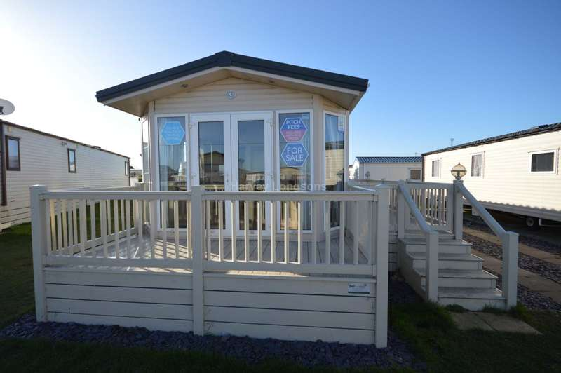 3 Bedrooms Caravan Mobile Home for sale in Suffolk Sands Holiday Park, Carr Road, Felixstowe