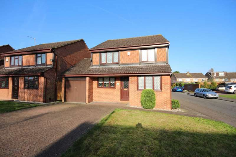 4 Bedrooms Detached House for sale in Saxon Way, Windsor