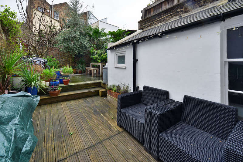 3 Bedrooms Terraced House for sale in Mornington Crescent, NW1 7RB