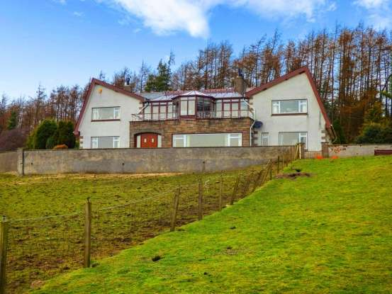 7 Bedrooms Farm House Character Property for sale in Forestmill, Alloa, Clackmannanshire, FK10 3QW