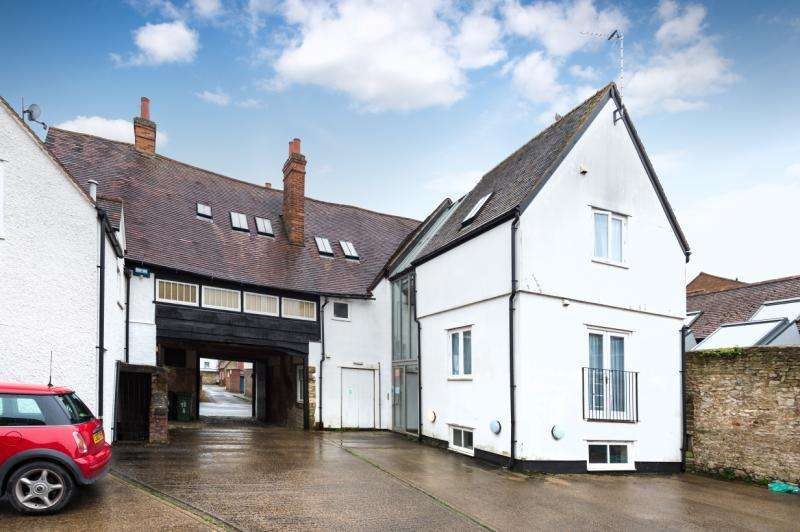 2 Bedrooms Apartment Flat for sale in Flat C, West St. Helen Street, Abingdon, Oxfordshire
