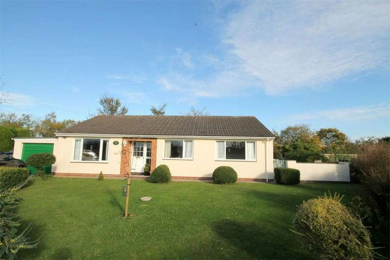 3 Bedrooms Detached Bungalow for sale in Sturden Lane, Hambrook, Bristol