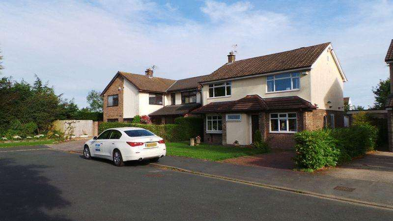 3 Bedrooms Detached House for sale in Moorfield Close, Fulwood, Preston