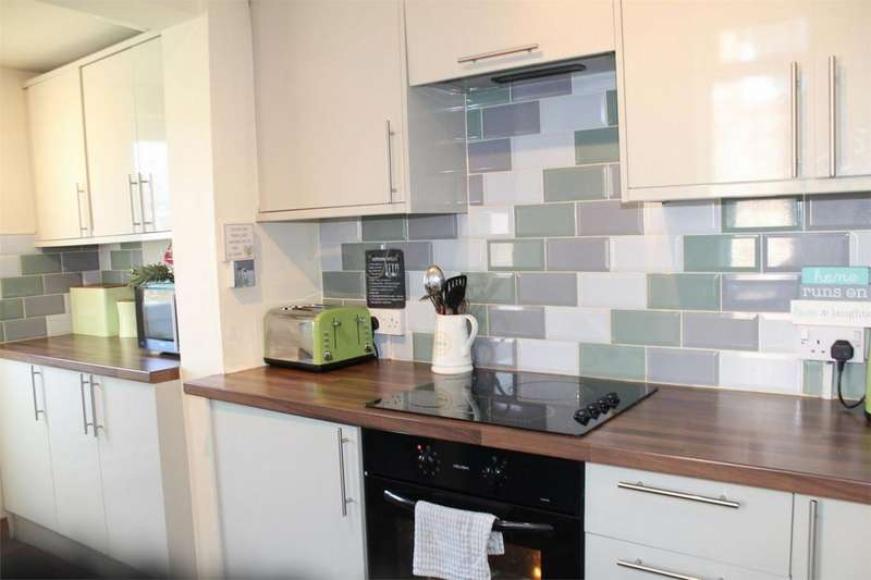 2 Bedrooms Semi Detached House for sale in Lindsay Avenue, SHEFFIELD, South Yorkshire