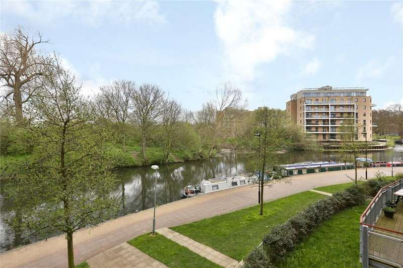 3 Bedrooms Flat for sale in Dockside Court, Harry Zeital Way, London, E5