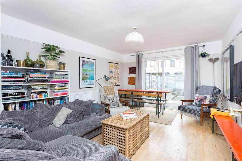 3 Bedrooms Terraced House for sale in Vallance Road, London, E2