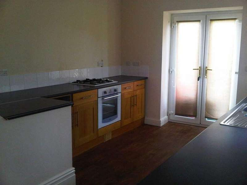 3 Bedrooms Terraced House for sale in The Avenue, The Common, Pontypridd