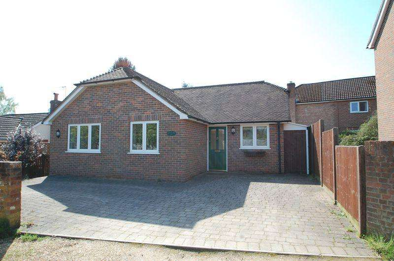 3 Bedrooms Bungalow for sale in Pulens Lane, Petersfield
