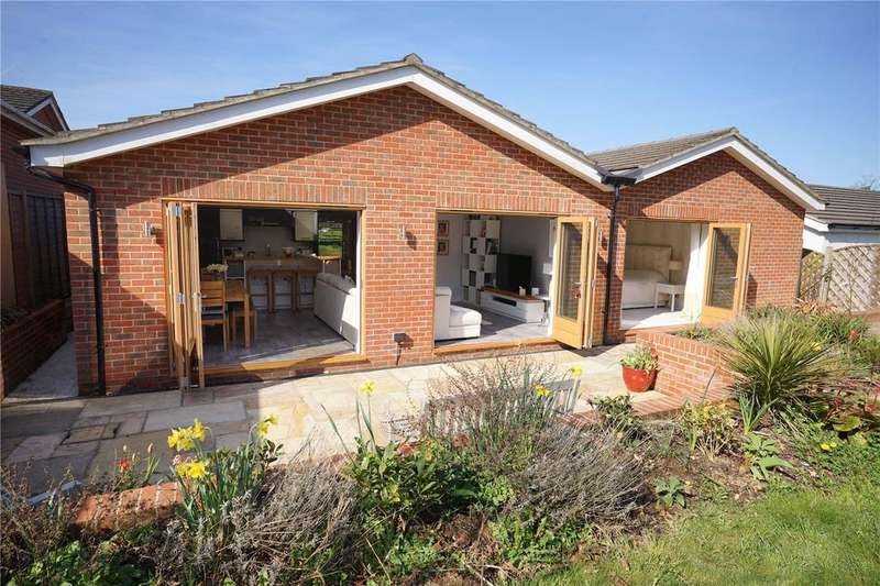 4 Bedrooms Detached Bungalow for sale in Beechlands Road, Medstead, Alton, Hampshire