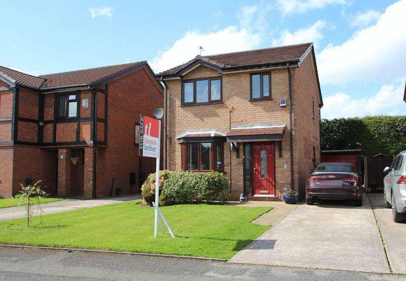3 Bedrooms Detached House for sale in Redbarn Close, Bredbury