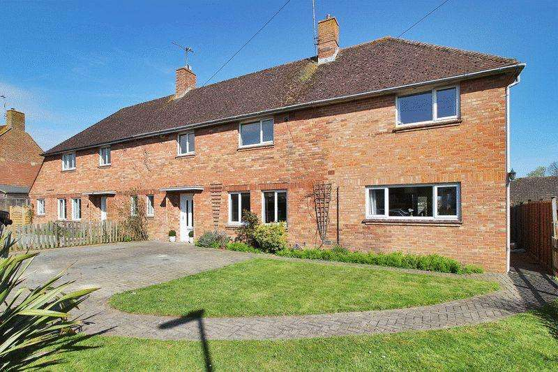 4 Bedrooms Semi Detached House for sale in Blanches Road, Partridge Green