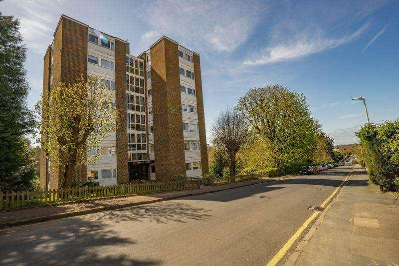 2 Bedrooms Apartment Flat for sale in Molyneux Park Road, Tunbridge Wells