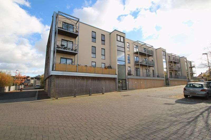 1 Bedroom Property for sale in Lime Tree Square, Street