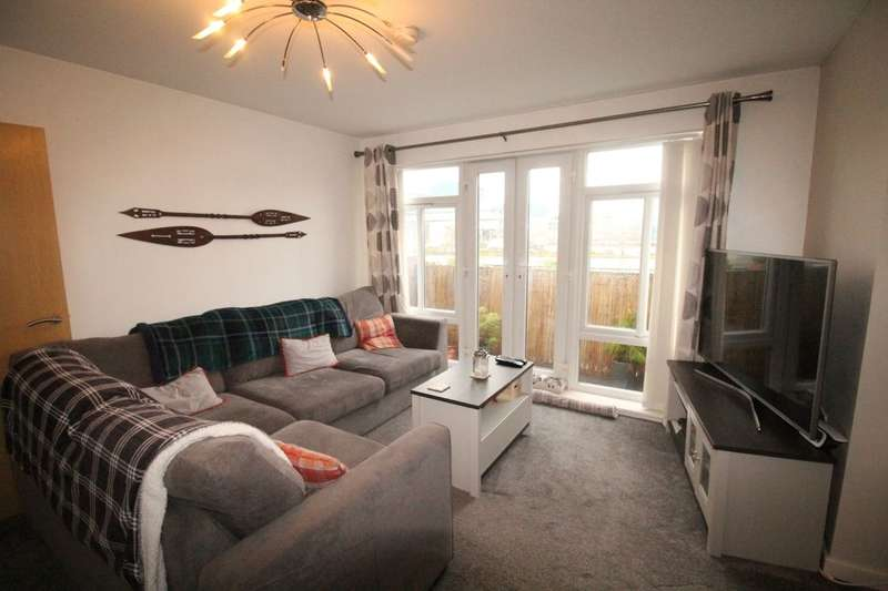 2 Bedrooms Flat for sale in Richmond Court, Widnes, WA8